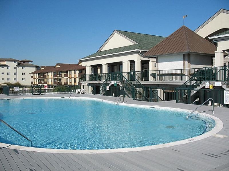 Islander Villas community pool - Islander Villas OSB 161 - E - Beach Happy - Ocean Isle Beach - rentals