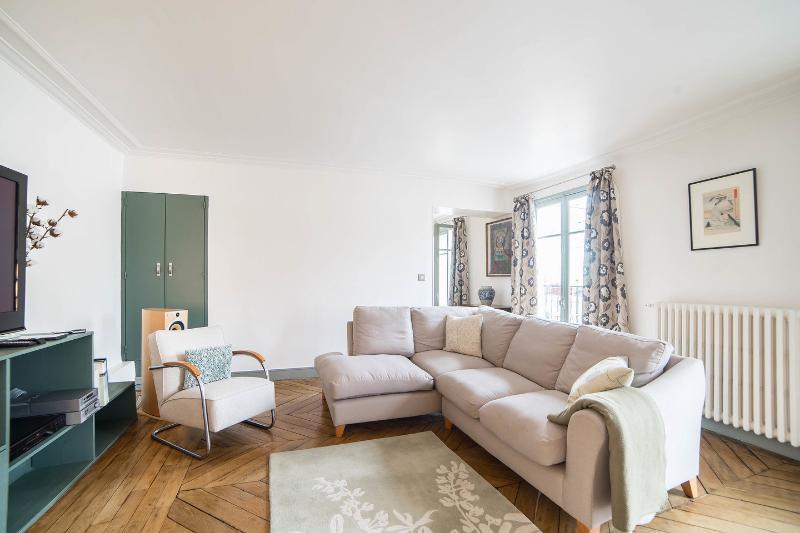Living Room - Central Paris Stunning Penthouse 300 sqft terrace - Paris - rentals