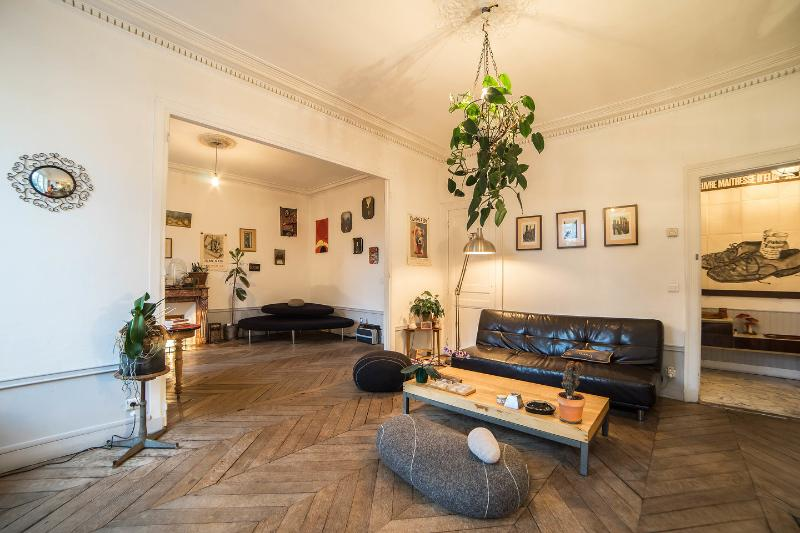Living Room - Parisian Bed and Breakfast at Faubourgs in Paris - Paris - rentals