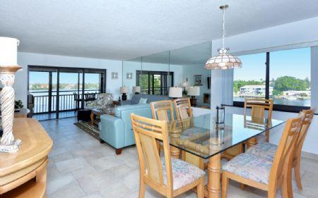 Spacious and Bright Living and Dining Area - Buttonwood 945 - Siesta Key - rentals