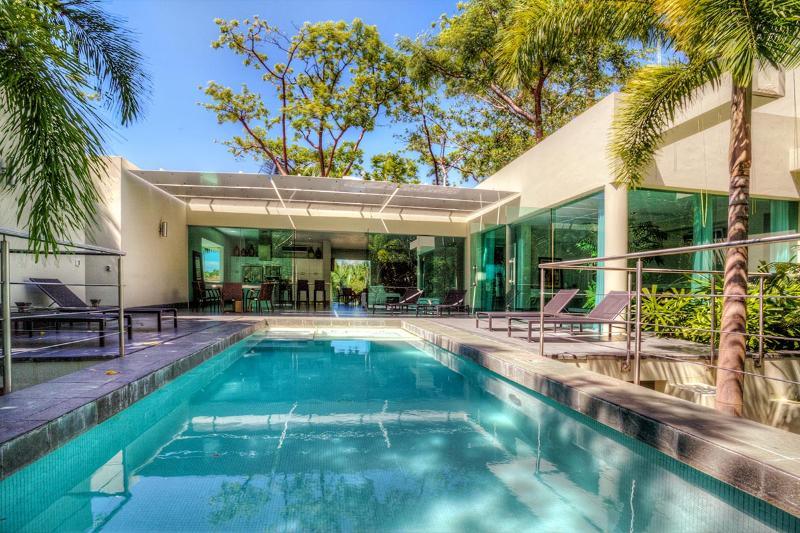 Casa Moderna, Sleeps 2 - Image 1 - Boca de Tomatlan - rentals
