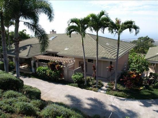 Hale Heaven- Sleeps 18!! Beautiful Setting, Pool! - Image 1 - Kailua-Kona - rentals