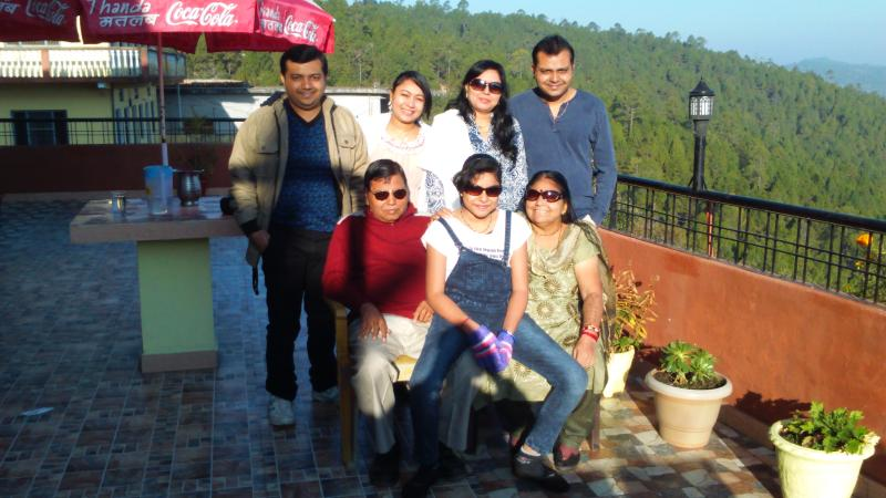 Mr.Bharat Dharaiya  along with family enjoying there holidays at Himadri Guest House Shitlakhet. - HIMADRI GUEST HOUSE SHITLAKHET ALMORA - Almora - rentals