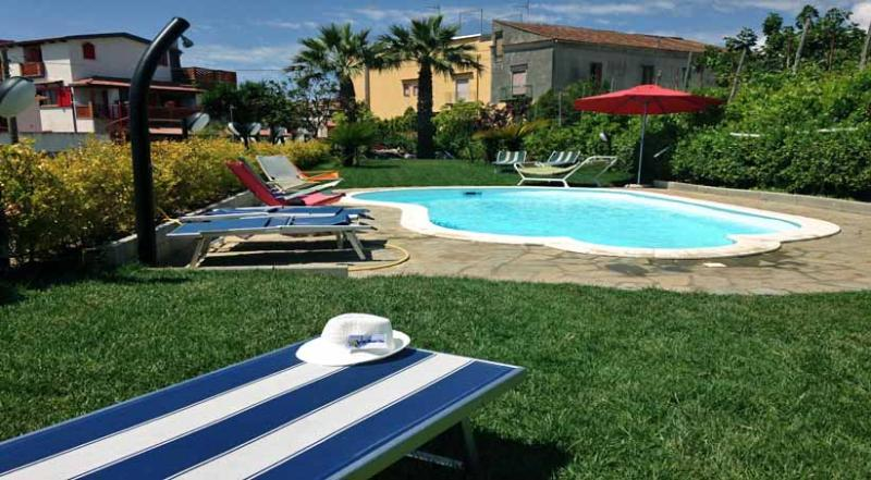 01 Romeo shared pool area - ROMEO - Torca - Massa Lubrense - Sorrento area - Sant'Agata sui Due Golfi - rentals