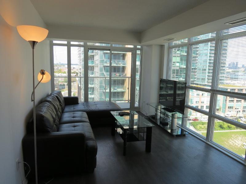 Furnished 2 Bedroom + 2 Bath in Liberty Village - Image 1 - Toronto - rentals