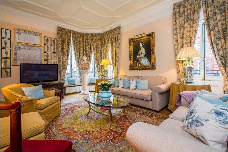 Knightsbridge Luxury 4 Bedrooms 3 Bathrooms (4859) - Image 1 - London - rentals