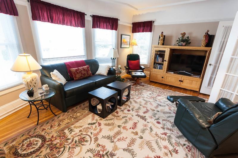 Living Room - Prime Marina Location 1 BR Furnished Apt - San Francisco - rentals