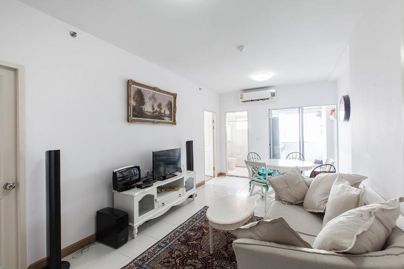 Living Room - SUPALAI PARK vintage style condo - Bangkok - rentals