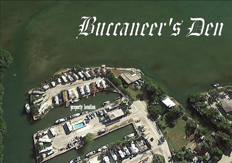 BUCCANEER'S DEN - 20Ft. of Waterfront w/ Dock - Image 1 - Key Largo - rentals