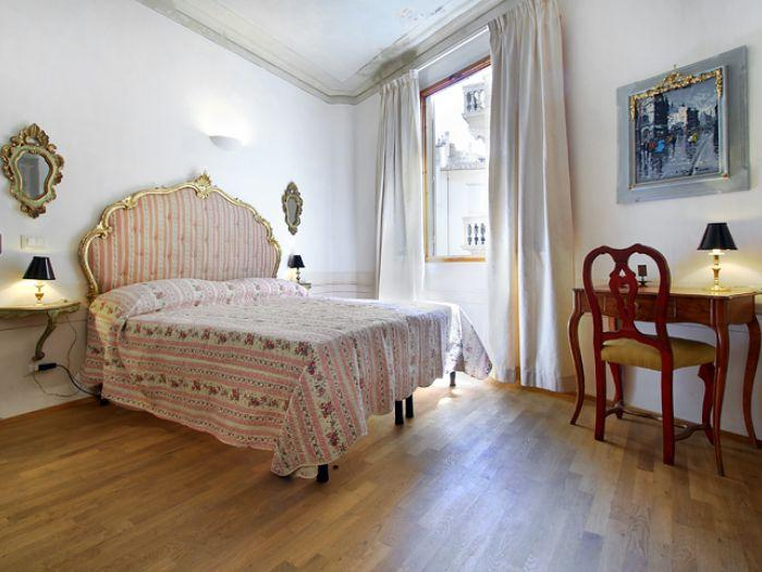 Apartment San Lorenzo 2 apartment in Florence, flat rental Florence, Italy, Italian apartments - Image 1 - Florence - rentals