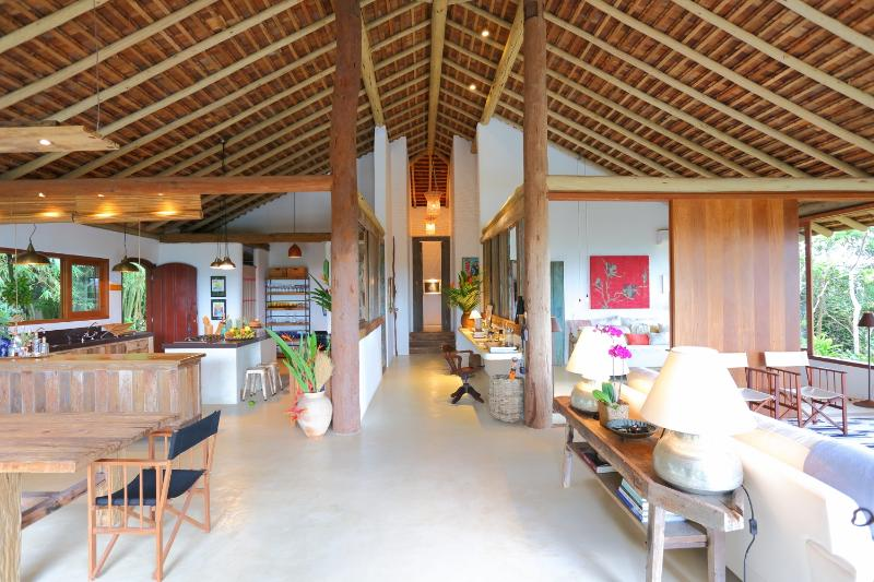 Picturesque 4 Bedroom Home in Quadrado - Image 1 - Trancoso - rentals
