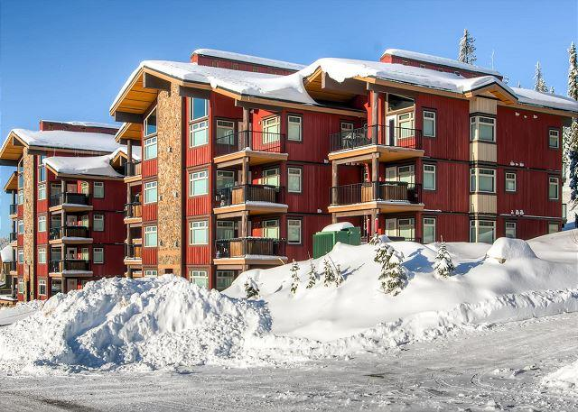 Raven Front winter - Raven 107 Happy Valley Location Sleeps 8 - Big White - rentals
