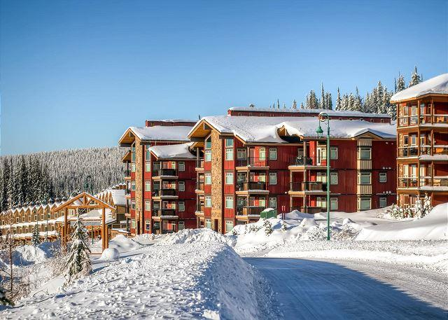 Raven Big White - Raven 106 Happy Valley Location Sleeps 9 - Big White - rentals