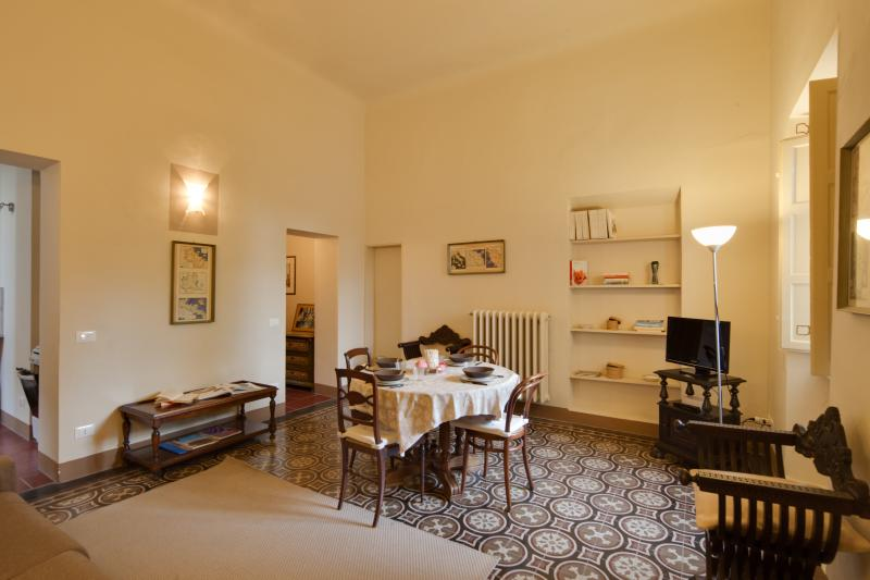 """Elisa Baciocchi"" in charming old palazzo - Image 1 - Lucca - rentals"