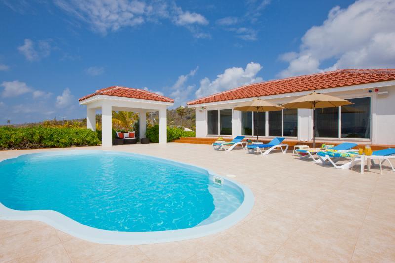 Le Soleil d'Or Luxury Beach Cottage, 1200 feet - Image 1 - Cayman Brac - rentals