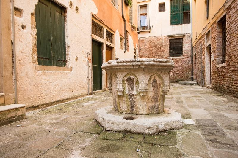 Well in front of the front door - Apartment .San Marco Economy - Venice - rentals