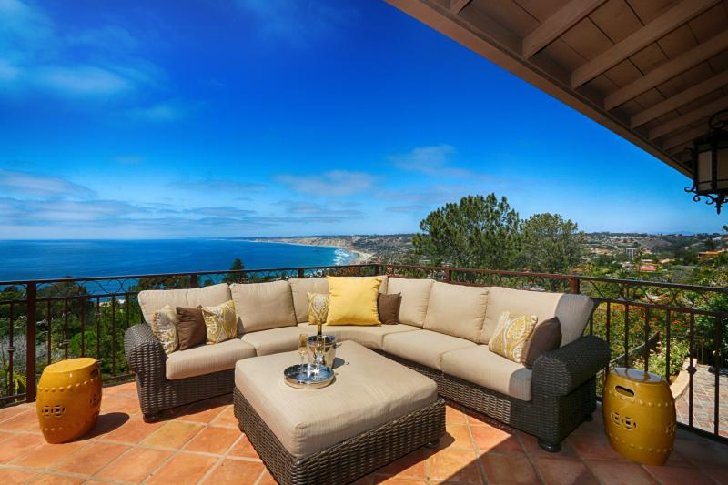 Spacious terrace off the main level, great for entertaining. - La Jolla's Best Ocean View - La Jolla - rentals