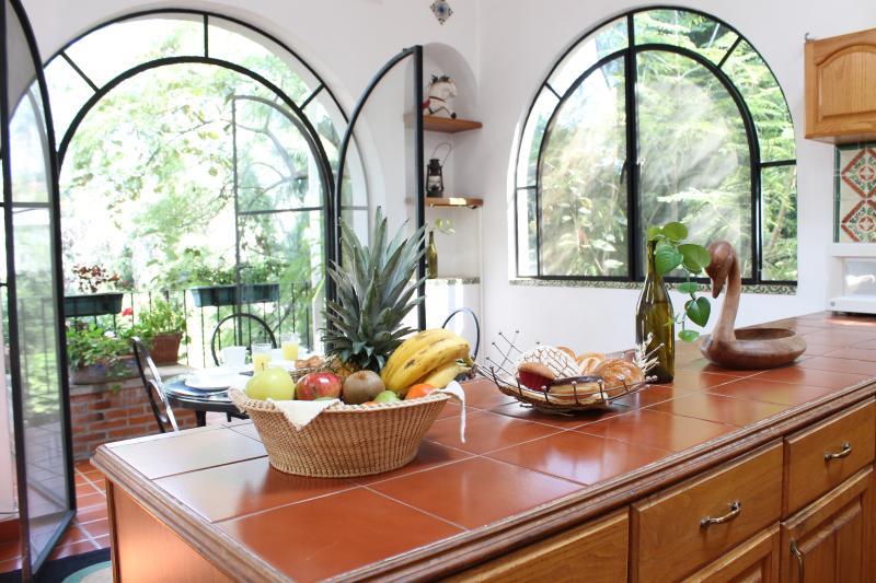 Villas Bellavista ofrece: Villa Escondida - Villa Escondida-Your Private Mexican House w/ Trop - Cuernavaca - rentals