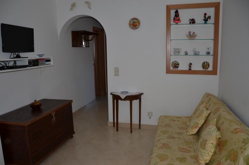 Charming 2bedroom Apartment -10min Lisbon center - Image 1 - Almada - rentals