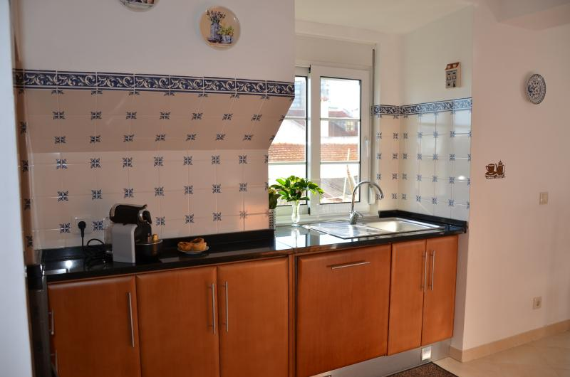 Charming 2bedroom Apartment -10min Lisbon center - Image 1 - Almada - rentals