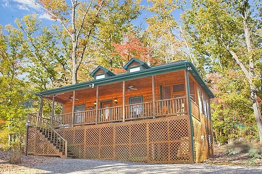 Pine Cone Lodge - LUCKY LOGS - Gatlinburg - rentals