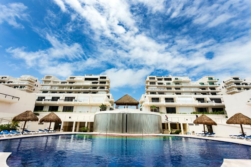 The Pool - Villas Marlin studio in the heart of cancun's H\'o - Cancun - rentals