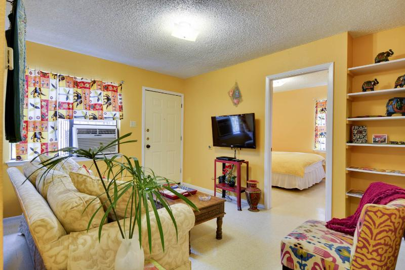 Casitas de Color  Little Taj Mahal - Image 1 - San Antonio - rentals