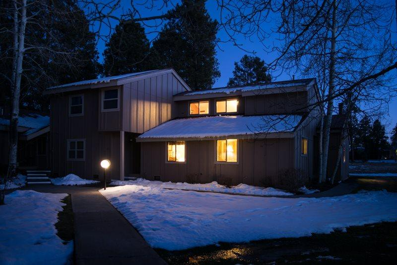 Pines 4038 is a relaxing Pagosa Springs vacation condo, located in the heart of the Pagosa Lakes area. - Image 1 - Pagosa Springs - rentals
