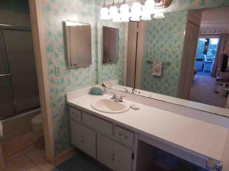 Bathroom - Bayside Mid-Rise Unit 402A - Sarasota - rentals