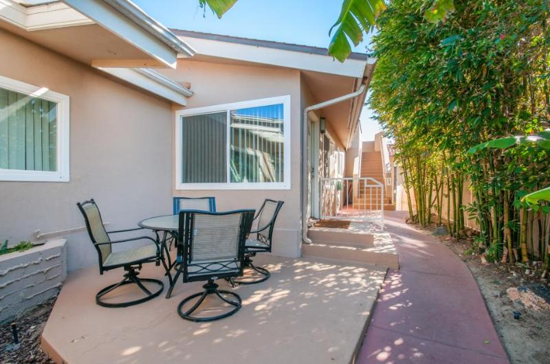Laid-back coastal escape just steps from the sandy beach! - Image 1 - San Diego - rentals