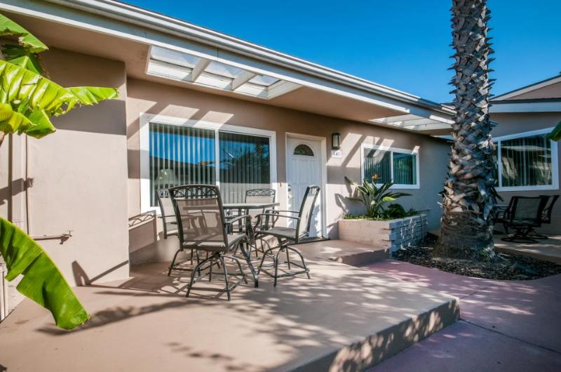 Pacific beach rental - steps from the ocean and only 20 minutes to downtown - Image 1 - San Diego - rentals