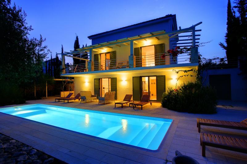 Ideales Resort villa Telina - Image 1 - Trapezaki - rentals