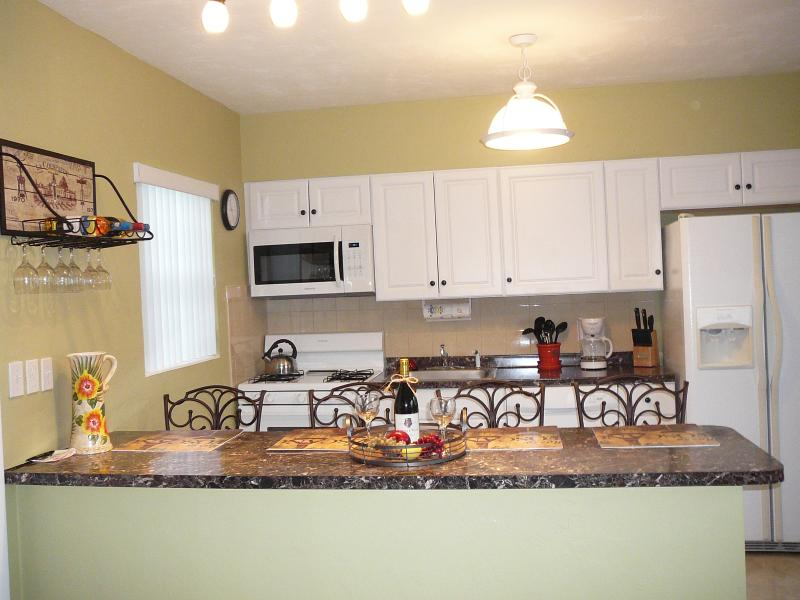 Large furnished studio near Hollywood Beach - Image 1 - Hollywood - rentals