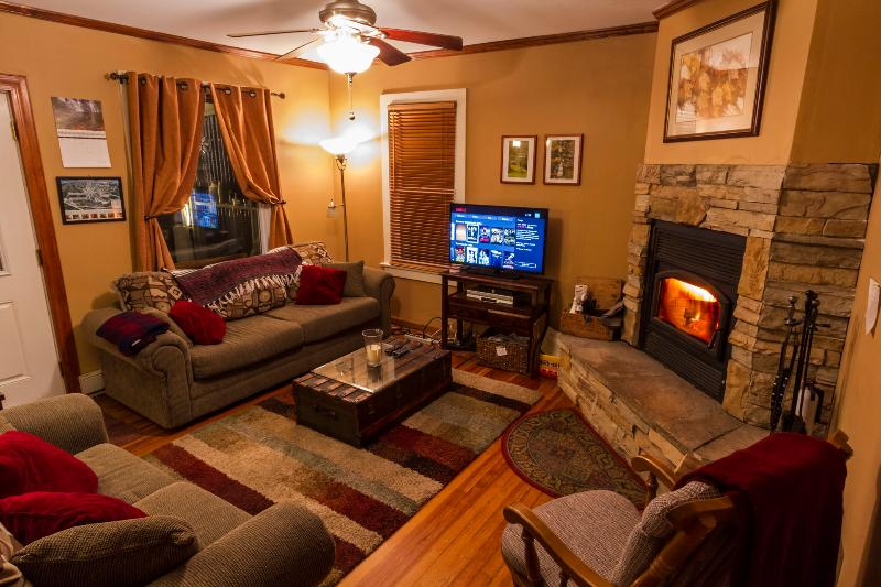 Living room with wood burning fireplace (wood included) and smart TV. - 3BR, 4-season Ski House in heart of the Catskills - Fleischmanns - rentals