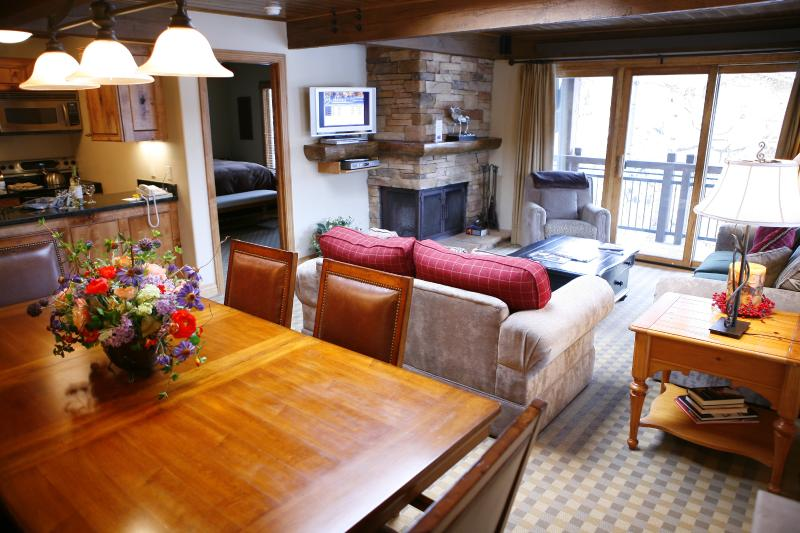 Charming Condo with 3 Bedroom-3 Bathroom in Aspen (Lift One - 301 - 3B/3B) - Image 1 - Aspen - rentals