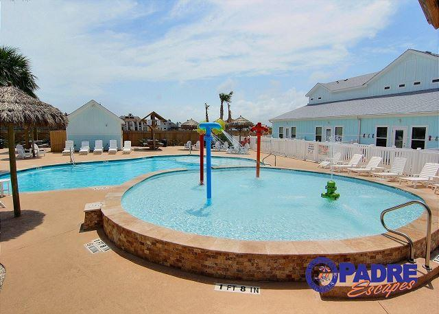 Great pool area for the whole family to enjoy - Beautiful Poolside property that's ready for Spring & Summer Guests! - Corpus Christi - rentals