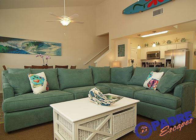 Living area - Beautifully decorated Townhouse in a quiet central location on the Island. - Corpus Christi - rentals