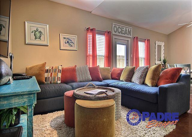 Living area - All-New 5 Bedroom Townhouse that can accommodate the whole family. - Corpus Christi - rentals