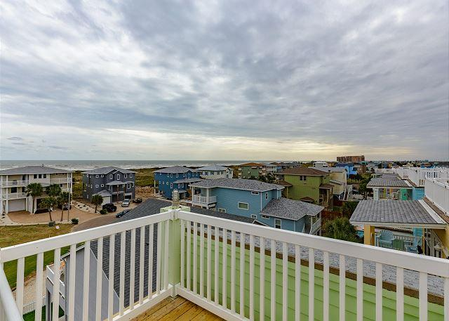 360 Degree Balcony Views of the Island & Beach - Mint Julep: Pool, Gated Subdivision, Ocean Views, Close to the Beach - Port Aransas - rentals