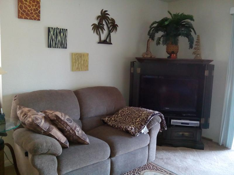 Living room - Restful Retreat - Branson - rentals