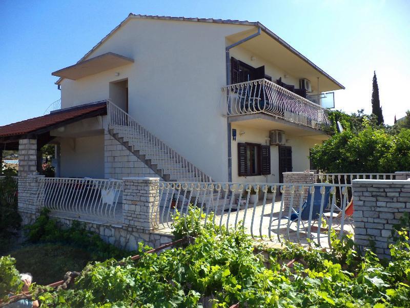 house - 002-04-MAS C(2+1) - Maslinica - Maslinica - rentals