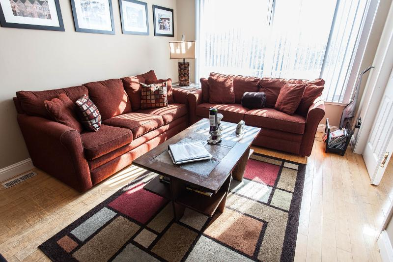 Living Room - Ocean Lovers Paradise with WiFi & Parking! - San Francisco - rentals