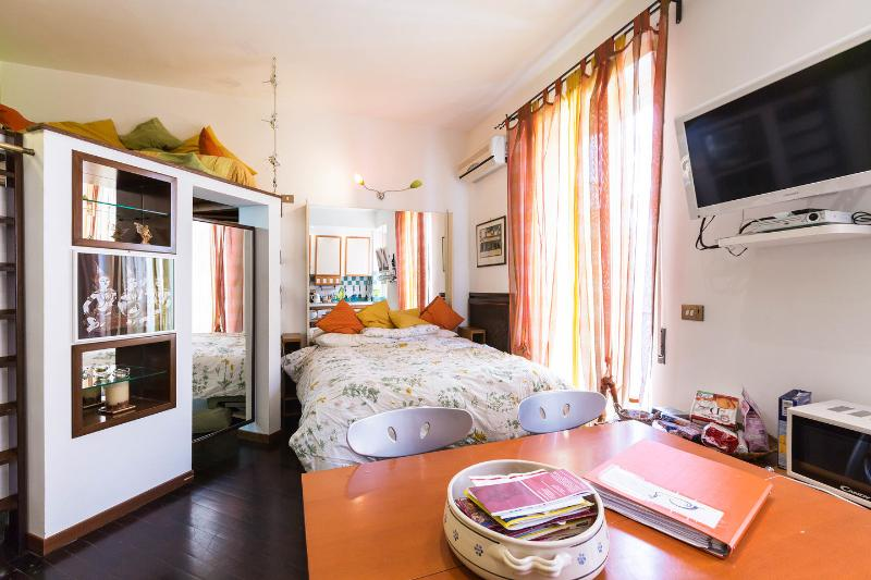 The Bedroom - Kitchen - Living Room - DOMUS ILARIA  WONDERFUL FOR COUPLES - Rome - rentals