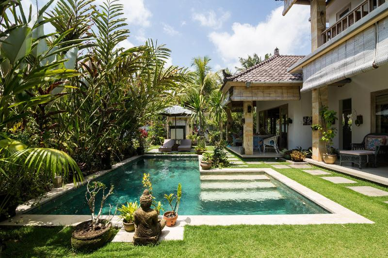 The Pool - Bungalow Jepun in the Ricefields of Ubud with Pool - Ubud - rentals