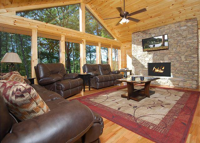 Crazy Summer Special from $349! Huge Gatlinburg Lodge w/ Theater. Sleeps 26. - Image 1 - Sevierville - rentals