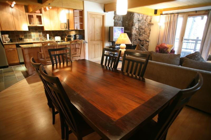 Dining room - Beautiful 3 Bedroom & 3 Bathroom Condo in Aspen (Lift One - 101 - 3B/3B) - Aspen - rentals