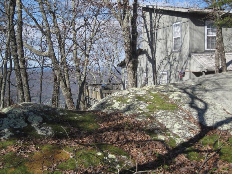 Boulder Bungalow, on the bluff 9 mile to Rock City - Image 1 - Chattanooga - rentals