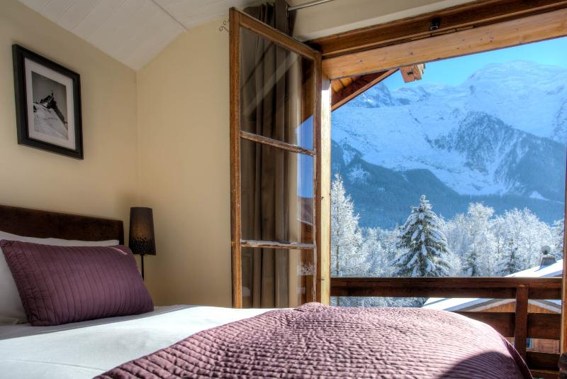 Views of Mt Blanc from the bedrooms - Chalet 715 - Stunning 7 bedroom chalet in Chamonix - Chamonix - rentals