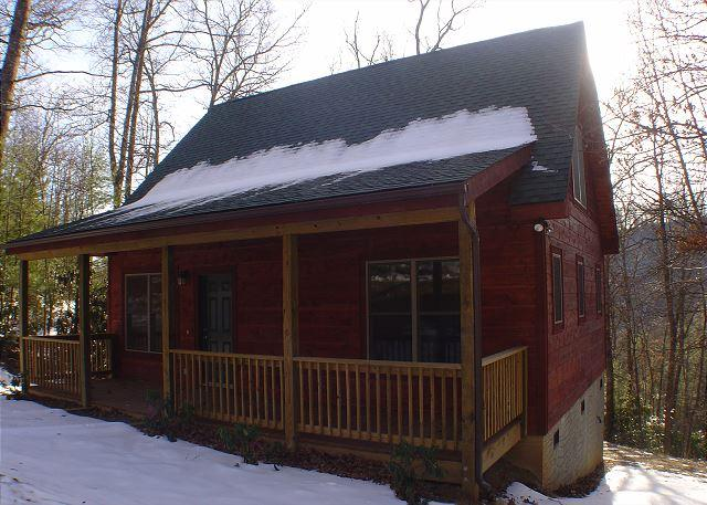 Cabin w/Bubbling Hot Tub Near Boone! Memorial Day Weekend Available! - Image 1 - McLeansville - rentals