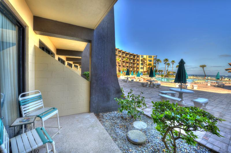 Hawaiian Inn Resort  1/1  OF $900/Week Summer 2016 - Image 1 - Daytona Beach - rentals